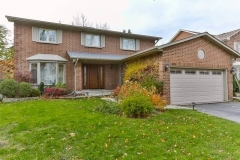 Real Estate Listing  430 Barclay Cres Oakville